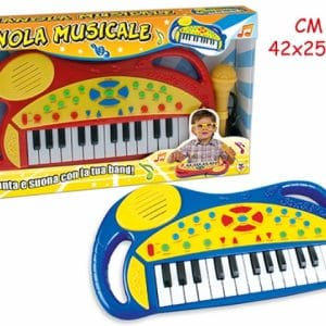 PIANO S MIKROFONOM